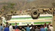 Ινδία: Τουλάχιστον επτά νεκροί από την πτώση λεωφορείου σε φαράγγι