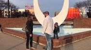 Αγοράκι καταστρέφει πρόταση γάμου στη μαμά του (video)