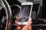 Οι Έλληνες οδηγοί δεν κλείνουν το κινητό