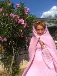 Σοφία Στρατουδάκη - Ντύθηκε 'ροζ καλόγρια' τη μέρα των γενεθλίων της (pics)