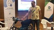 Ηράκλειο: Έφτιαξε μοτοσυκλέτα που κινείται με... τσικουδιά