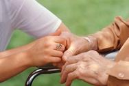 Ζητείται κυρία για φύλαξη ηλικιωμένου