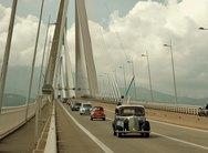 Πάτρα: Τα μέλη της Ε.Λ.Ι.Α. έκαναν 'παρέλαση' στην Γέφυρα 'Χαρίλαος Τρικούπης' (pics)