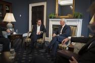 Μάικ Πενς: Οι ΗΠΑ θα στηρίξουν τη συμφωνία για το Σκοπιανό