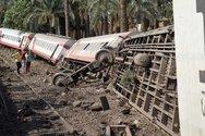 Σοκαριστικό ατύχημα με εκτροχιασμό τρένου στην Αίγυπτο