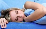 Έξι tips για να κοιμηθείτε άνετα παρά τη ζέστη