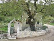 Αχαΐα - Γιορτάζει το εκκλησάκι της Αγίας Μαρίνας, που στο ιερό του αναβλύζει νερό!