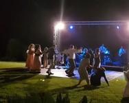 Διπλή τούμπα σε 'γνωστή' βάπτιση της Πάτρας - Δείτε βίντεο