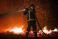 Οργή και θρήνος για τους δεκάδες νεκρούς των φονικών πυρκαγιών