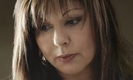 Λένα Μαντά: 'Μια σιωπή χρειάζομαι τώρα'