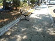 Πάτρα: Μπήκαν παγκάκια στο χώρο στάθμευσης των τουριστικών λεωφορείων