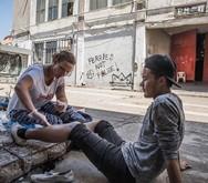 Afshin Ιsmaeli - Ο φωτορεπόρτερ που καλύπτει το οδοιπορικό των προσφύγων έφτασε στην Πάτρα!