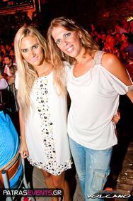 Despoina Vandi and Elli Kokkinou Live @ Volcano 04-08-12 Part 1