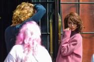 H Emily Ratajkowski ποζάρει ως Jackie Kennedy! (φωτο)