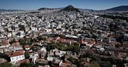 Le Monde: Οι Έλληνες ξεπουλάνε στους ξένους τα ακίνητα