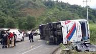 23 νεκροί από σύγκρουση λεωφορείου με αυτοκίνητο στον Ισημερινό