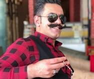 Τούρκος χασάπης εντυπωσιάζει με τα ζογκλερικά του κόλπα (video)