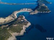 Η παραλία της Πελοποννήσου που θεωρείται από τις ομορφότερες της Μεσογείου! (φωτο)