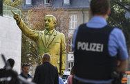 Γερμανία: Έστησαν χρυσό άγαλμα του Ερντογάν