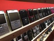 Πάτρα: Άρπαξαν από μαγαζί χρήματα και κινητά τηλέφωνα