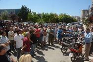Πάτρα: Συγκέντρωση εργαζομένων του Δήμου έξω από τον ΟΑΕΔ (pics)