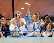 Gigi & Bella Hadid - Οι ξέφρενοι πανηγυρισμοί στο US Open (φωτο)