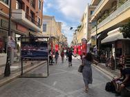 Πάτρα: Στα 'κοκκινόμαυρα' ο πεζόδρομος της Ρήγα Φεραίου