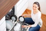Το λεμόνι κάνει θαύματα και στο πλυντήριο πιάτων