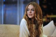 Η Lindsay Lohan δέχεται γροθιά από πρόσφυγα (video)