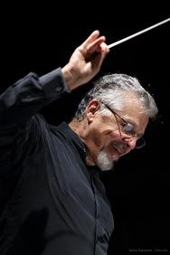 Η Φιλαρμόνια Ορχήστρα Αθηνών  συναντά τον πιανίστα Βασίλη Βαρβαρέσο στο Μέγαρο Μουσικής Αθηνών