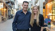 Η Σάρα Εσκενάζυ υποψήφια με τον Γιώργο Καραμέρο στο Μαρούσι