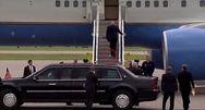 Ντόναλντ Τραμπ - Ανεβαίνει στο Air Force One με κολλημένο χαρτί τουαλέτας στο παπούτσι του (video)