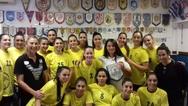 Οι γυναικείες ομάδες Νεας Ιωνίας και Αναγέννησης Άρτας στο μουσείο χάντμπολ της Πάτρας