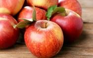 Πειραιάς: Δέσμευσαν 2,6 τόνους μήλα και αχλάδια