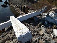 Μυτιλήνη: Άγνωστοι κατέστρεψαν τον τσιμεντένιο σταυρό στην ακτή Απελή