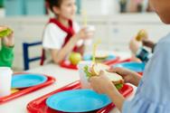 Αστυνομικός προσφέρει δωρεάν γεύμα σε μαθητές Ειδικού Σχολείου στην Κάτω Αχαΐα!