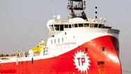 Τουρκικά υποβρύχια και αμερικανικά πολεμικά πλοία δίπλα στο Barbaros