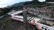 Tαϊβάν: Εκτροχιασμός τρένου - Τουλάχιστον 17 νεκροί (pics)