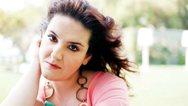 Η Σοφία Βογιατζάκη αποκαλεί τον εαυτό της 'μεγαλοκοπέλα' (video)