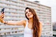 Το σοβαρό ιατρικό πρόβλημα που προκαλεί στο χέρι μας η selfie