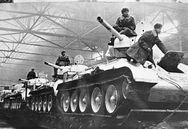 Η ιστορία μιας Ουκρανής που αγόρασε τανκ για να εκδικηθεί τους Ναζί