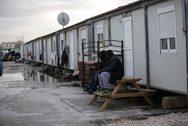 Πρόσφυγες προσπάθησαν να κάψουν ζωντανή γυναίκα στο hotspot Θήβας