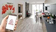 Airbnb: Εφοριακοί «πελάτες» πιάνουν τους φοροφυγάδες