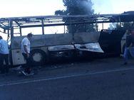 Λευκάδα: Λεωφορείο λαμπάδιασε εν κινήσει - Κάηκε ολοσχερώς (φωτο+video)