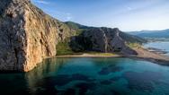 Μια μαγική παραλία μόλις 40 λεπτά από την Πάτρα! (φωτο+video)