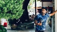 Karan Prasher - O 20χρονος που ζει στην Πάτρα και φτιάχνει 'ιστορίες' στο youtube (pics+video)