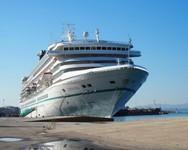 Το υπερπολυτελές κρουαζιερόπλοιο «Artania» έδεσε στο λιμάνι της Πάτρας!