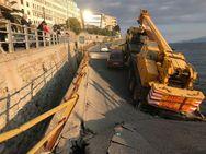 Έπεσε γέφυρα στην Καβάλα - Εγκλωβίστηκαν 3 οδηγοί (φωτο)