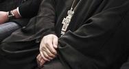 Το 59% δεν θέλει τους ιερείς δημοσίους υπαλλήλους