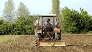 Καταργείται η υποχρέωση καταβολής τέλους επιτηδεύματος από τους αγρότες